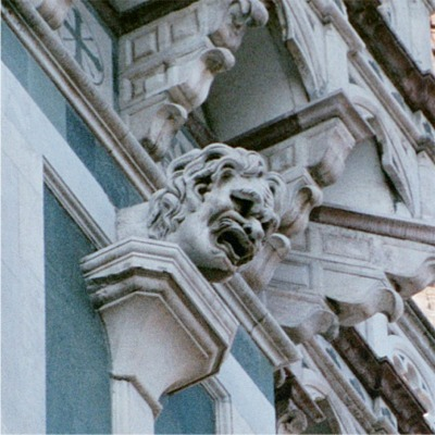 it gargoyle 48153_04.jpg