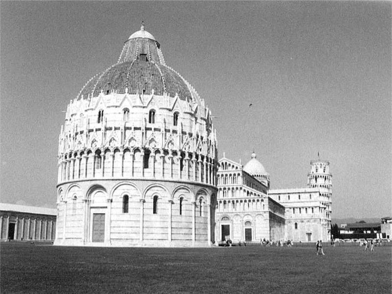 it pisa bw 01.jpg