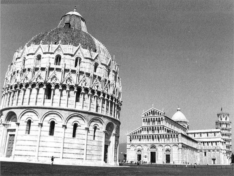 it pisa bw 02.jpg