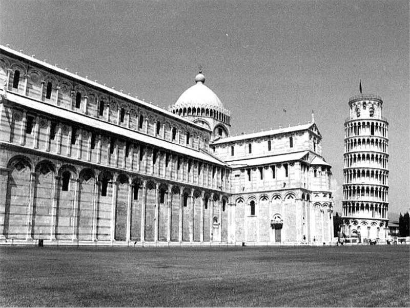 it pisa bw 04.jpg